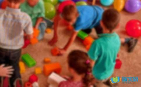 幼儿园小班主题活动《蔬菜和水果宝贝》的教案